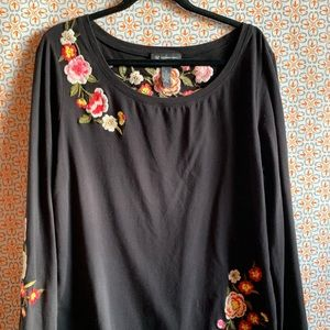 DILLARD'S Black Embroidered Top
